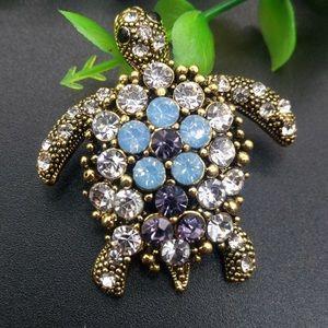 Jewelry - Turtle pin